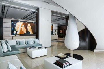 The Langham New York lobby