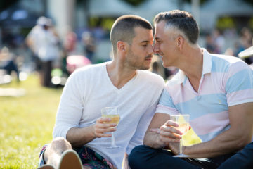 Gay couple in Millennium Park, Chicago, Illinois, USA