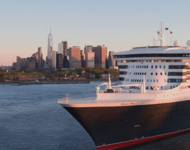 Cunard Queen Mary 2 in NYC, New York City, USA