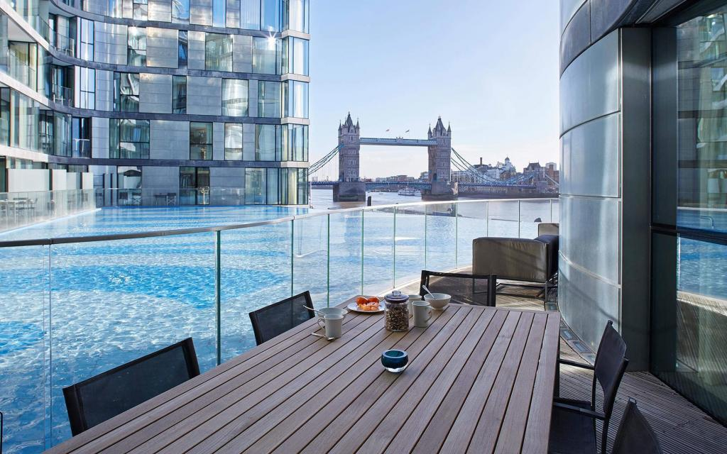 Breakfast over Tower Bridge Cheval Three Quays by Cheval Residences