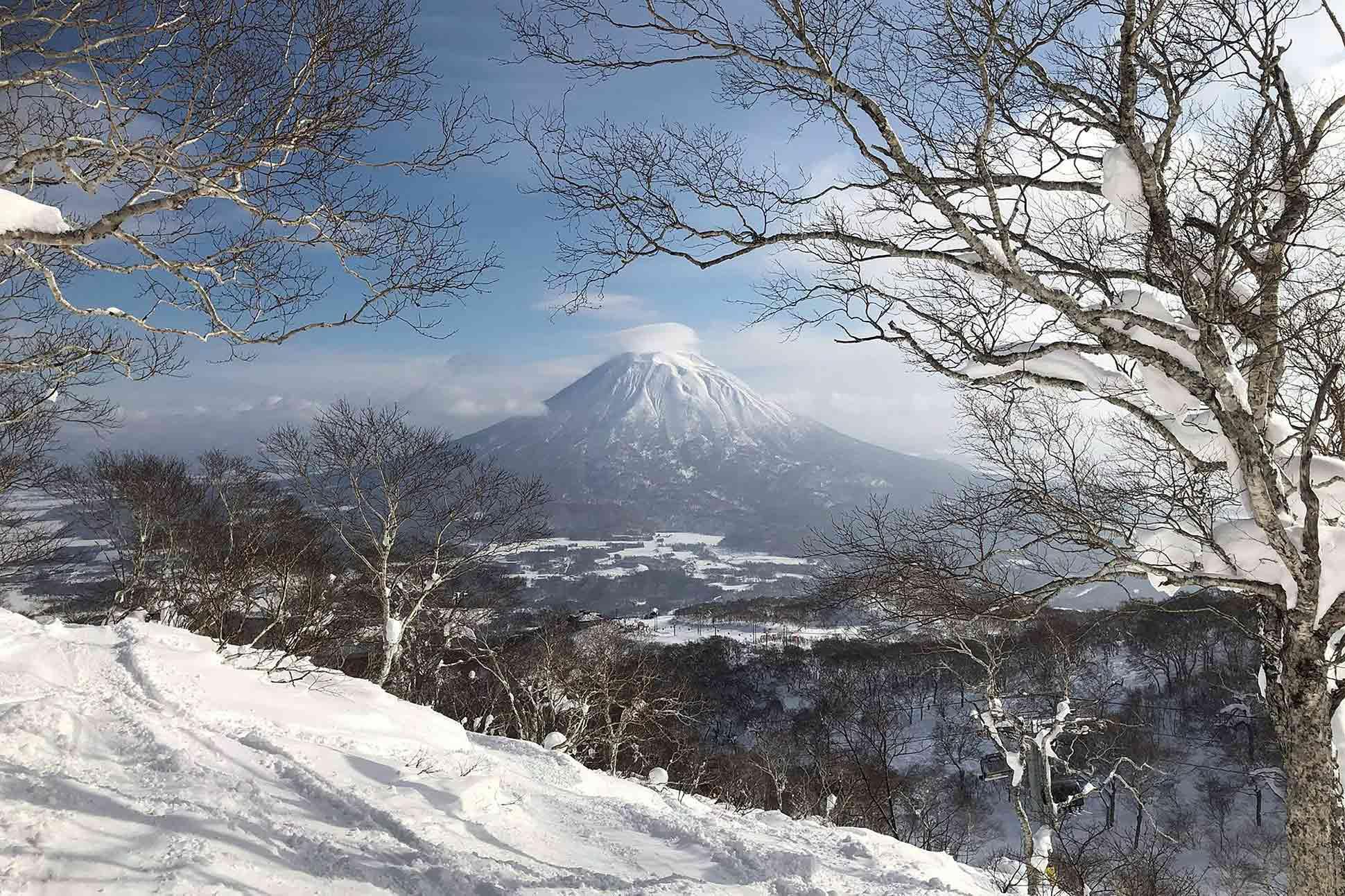 Higashiyama Niseko Village, a Ritz-Carlton Reserve: <br> Seasonal self-discovery
