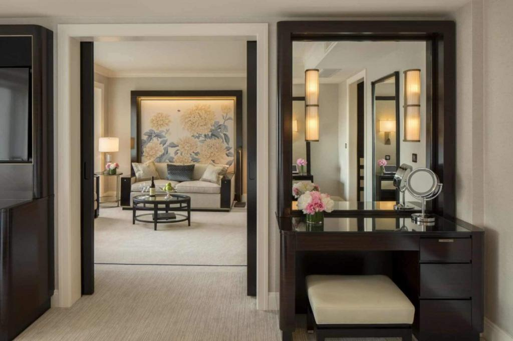 Room at The Peninsula Chicago