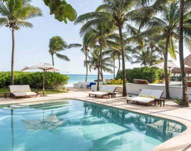 Hotel Esencia pool