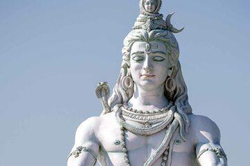 Statue of Hindu deity Shiva in Rishikesh, India