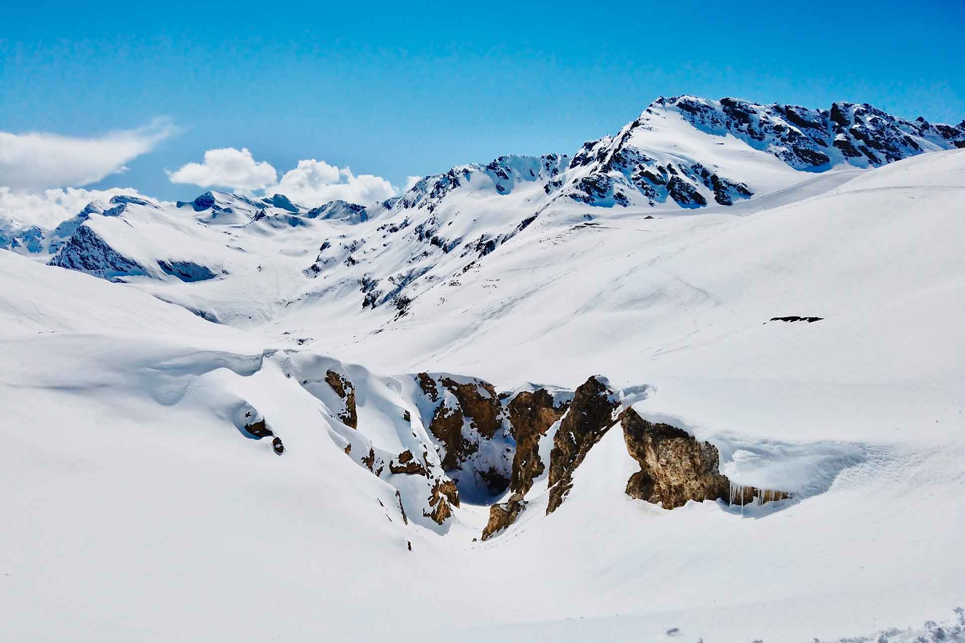 Ultima Collection Courchevel and Gstaad: <br> Ultra-private pistes