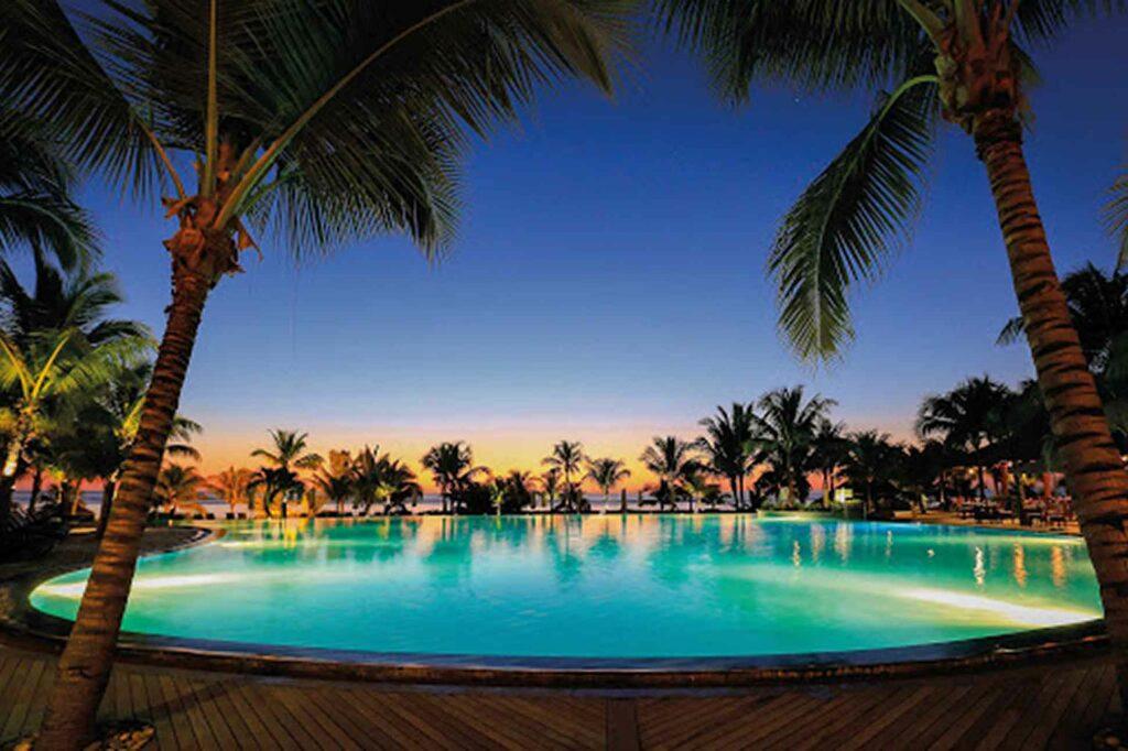 Beachcomber Victoria Resort & Spa, Mauritius sunset over the pool