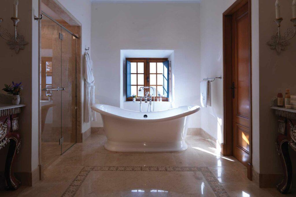 Belmond Palacio Nazarenas bathroom