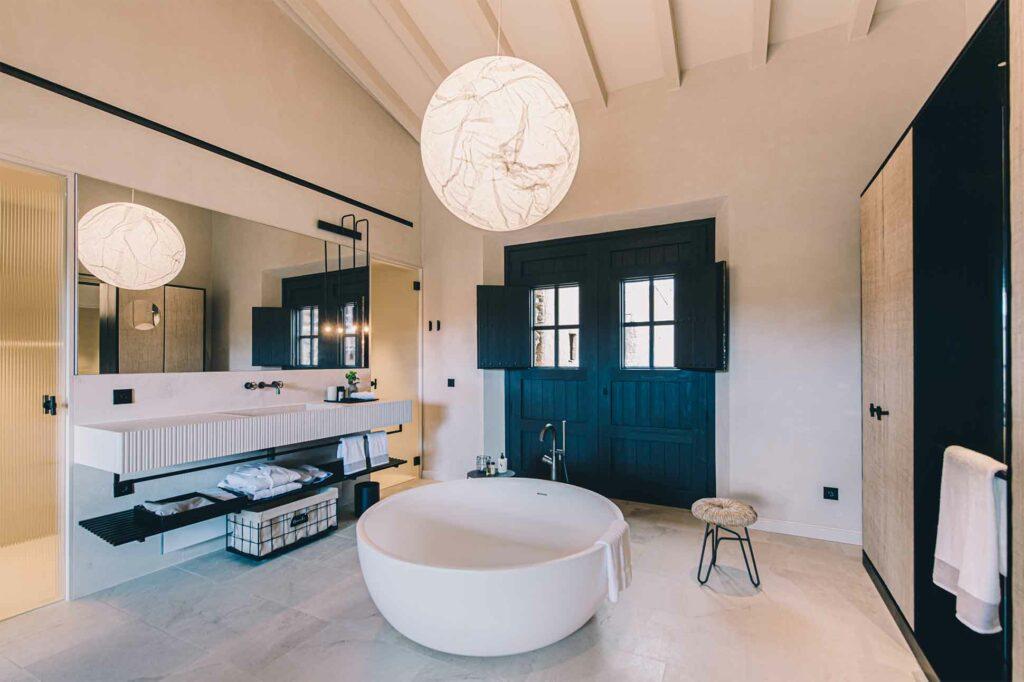 Bathtub at Can Ferrereta, Santanyí, Mallorca, Spain