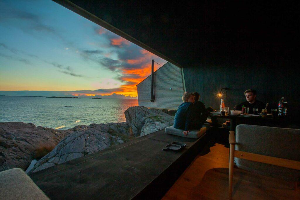 Sunset view at Flokehyttene, Norway designer cabins