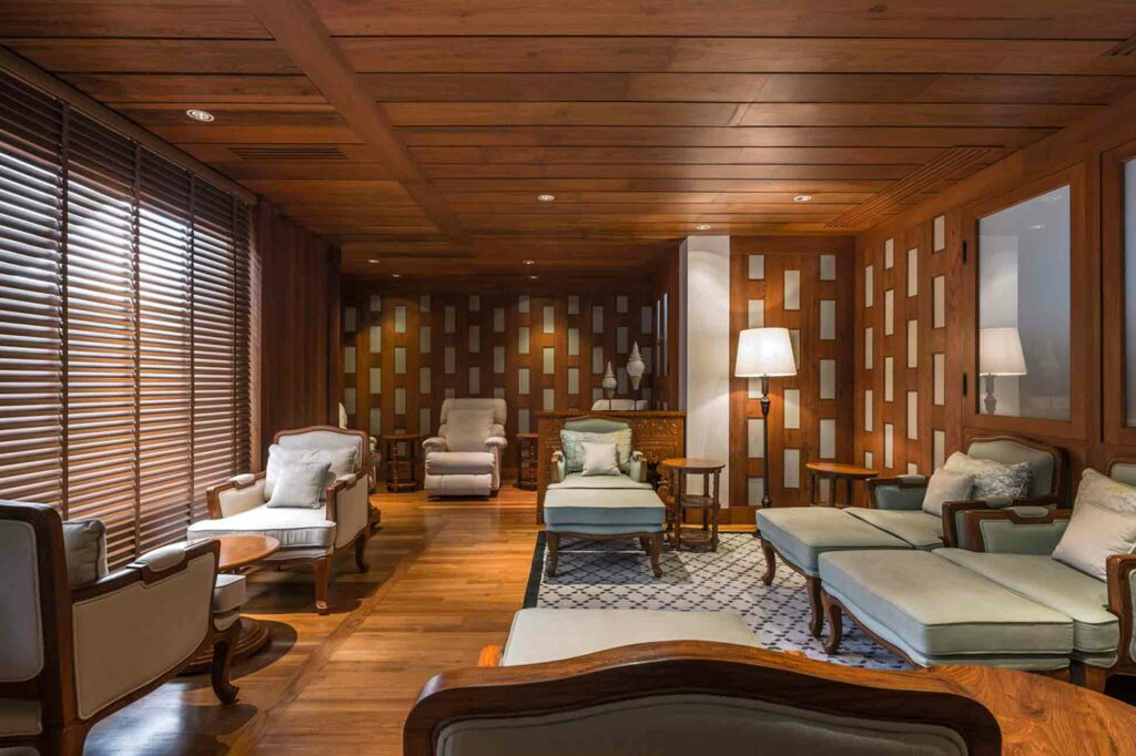 Mandarin Oriental Bangkok Oriental Hotel wood panelled spa
