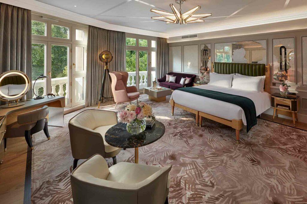 Mandarin Oriental Hyde Park London Suite bedroom