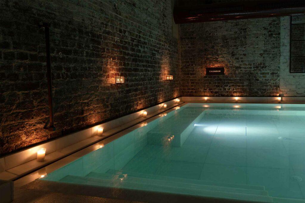 Caldarium pool